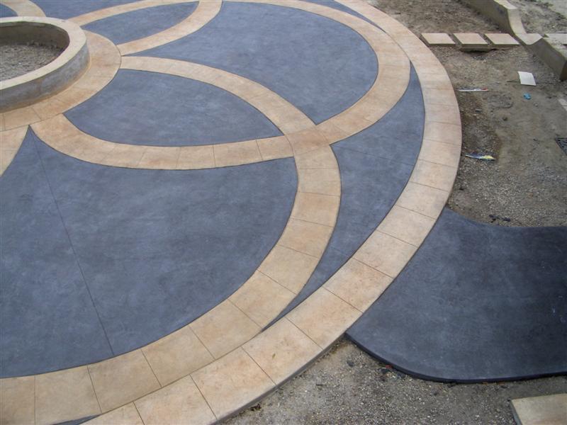 Interlocking Circles Large Stone Squares
